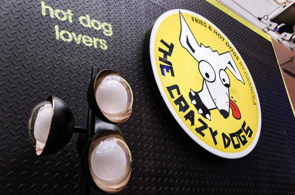 The-Crazy-Dogs-10